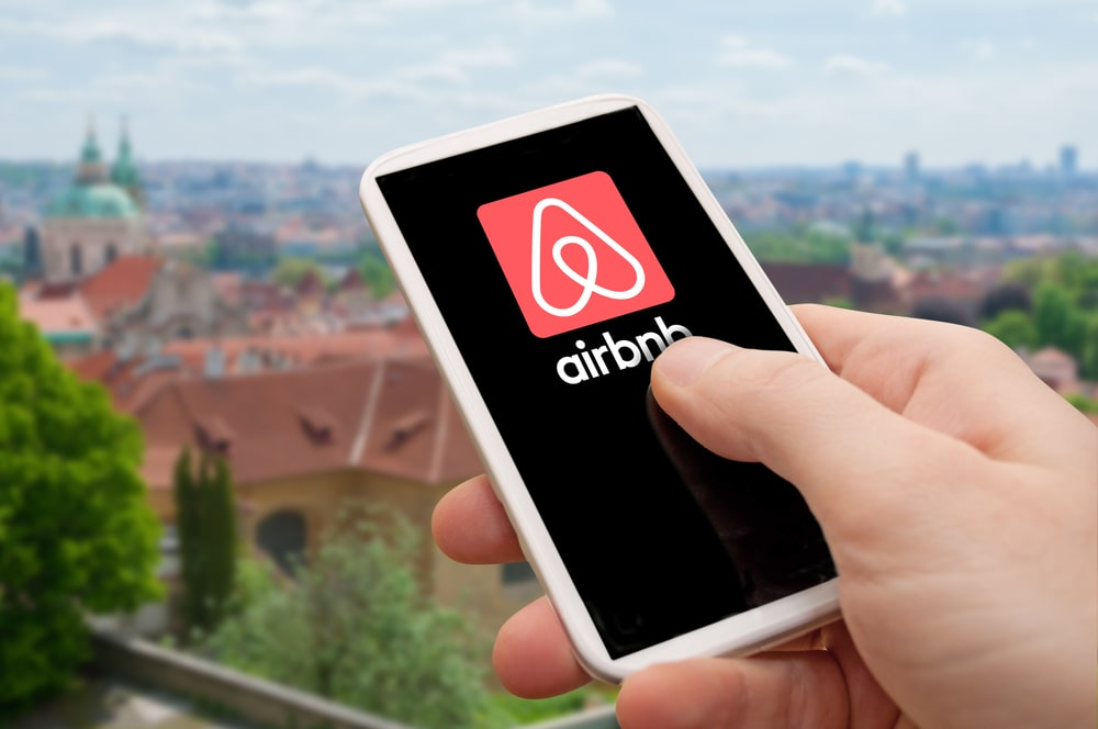 THE FIVE BEST AND FIVE WORST CITIES FOR AIRBNB INVESTING