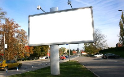 WHY BILLBOARDS SURVIVED THE INTERNET ATTACK